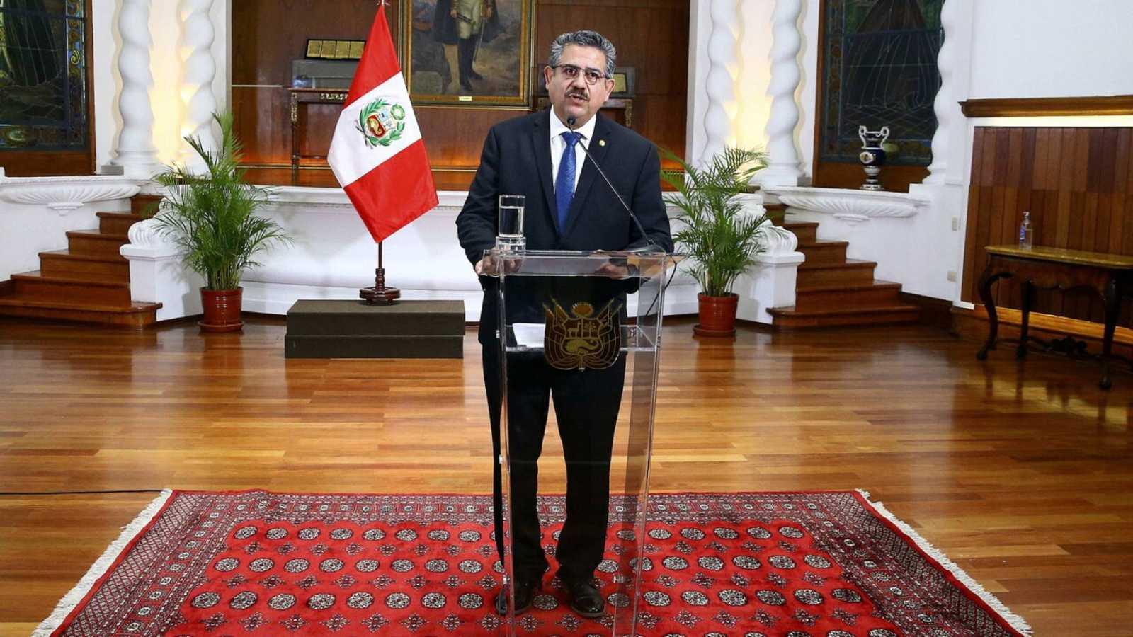 20 horas informativos Fin de Semana - Manuel Merino renuncia como presidente de Perú, en medio de protetas callejeras con dos muertos - Escuchar ahora