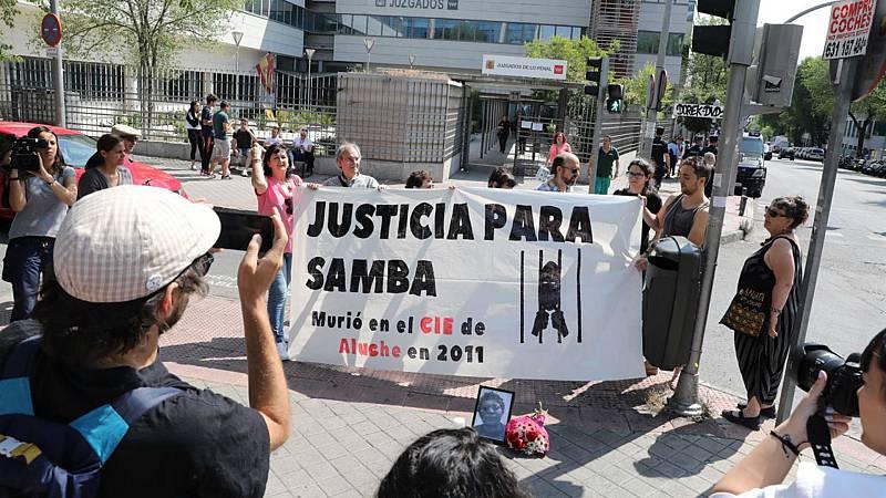 Las mañanas de RNE con Íñigo Alfonso - El Gobierno indemniza a la familia de Samba Martine fallecida en el CIE de Aluche, Madrid - Escuchar ahora