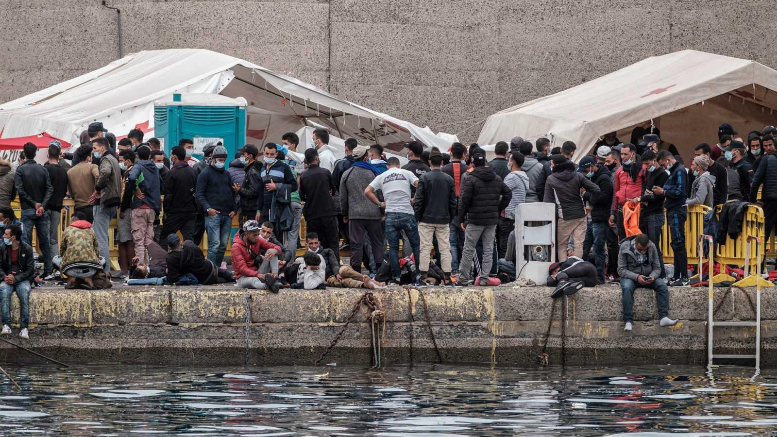 """Las mañanas de RNE con Íñigo Alfonso - Teodoro Bondyale: """"El muelle de Arguineguín es para descargar pescados, no para detener a seres humanos"""" - Escuchar ahora"""