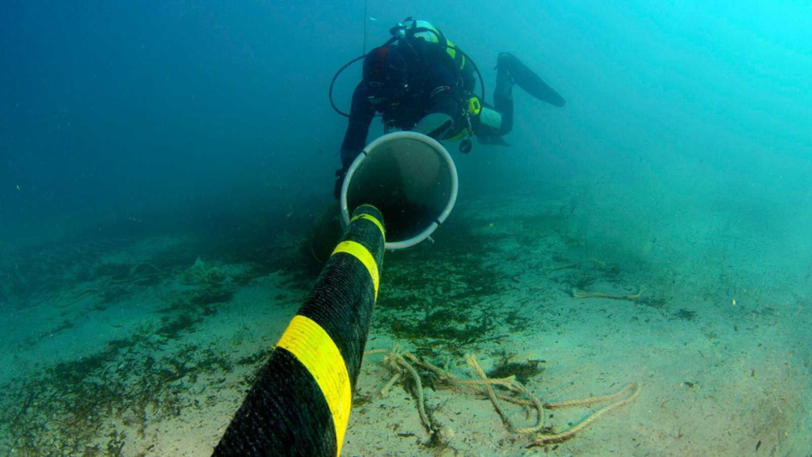 Amigos de la onda corta - Cables submarinos - 19/11/20 - escuchar ahora