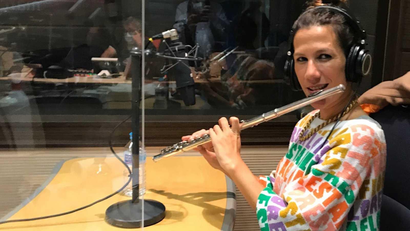 Entre dos luces - La flauta flamenca, gallega y universal de María Toro - 20/11/20 - escuchar ahora