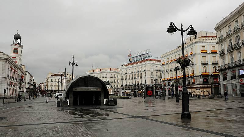 Boletines RNE - La Comunidad de Madrid cerrará la región del 4 al 14 de diciembre para evitar desplazamientos durante el puente - Escuchar ahora