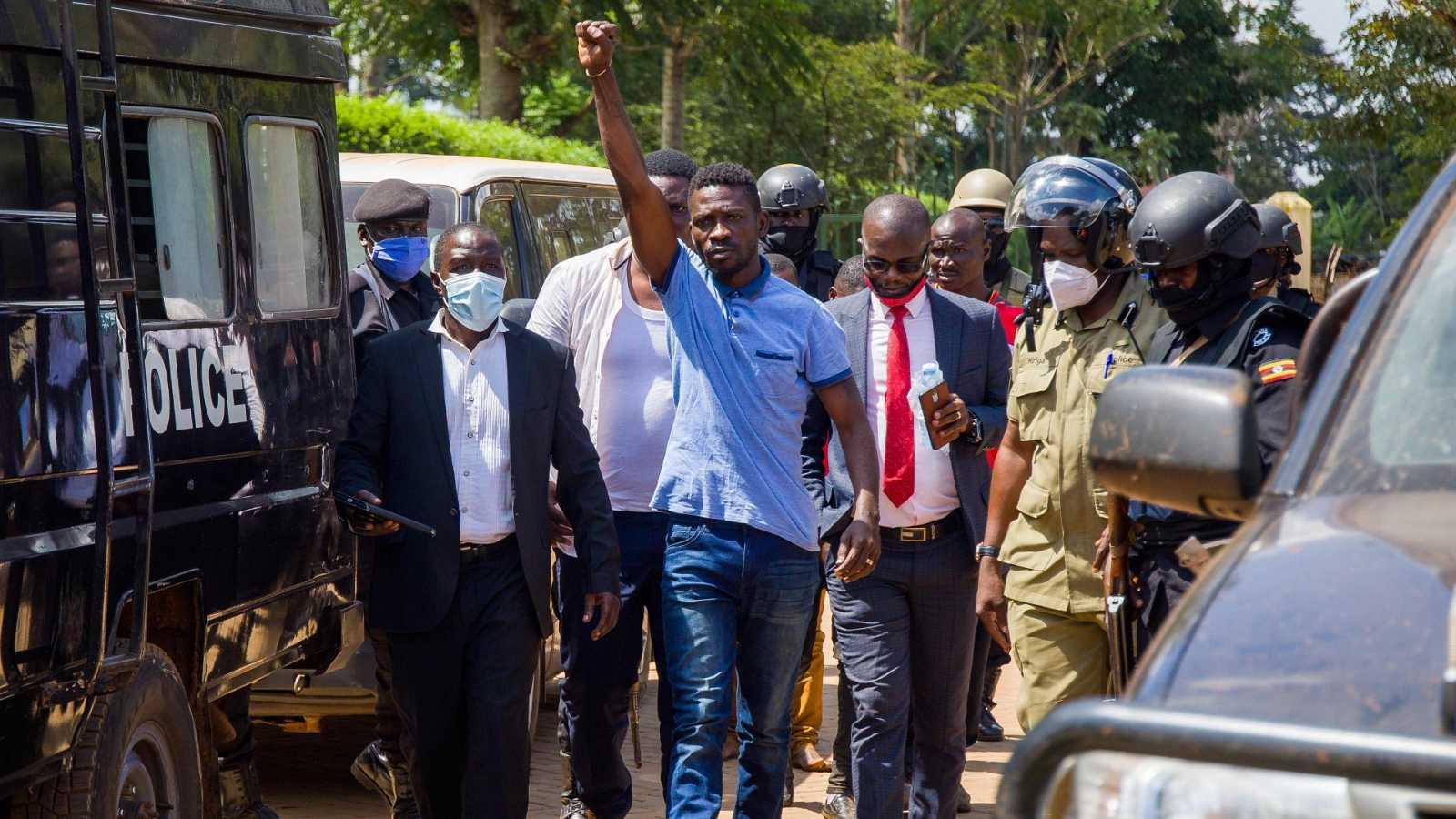 Cinco Continentes - Crisis política y social en Uganda - Escuchar ahora