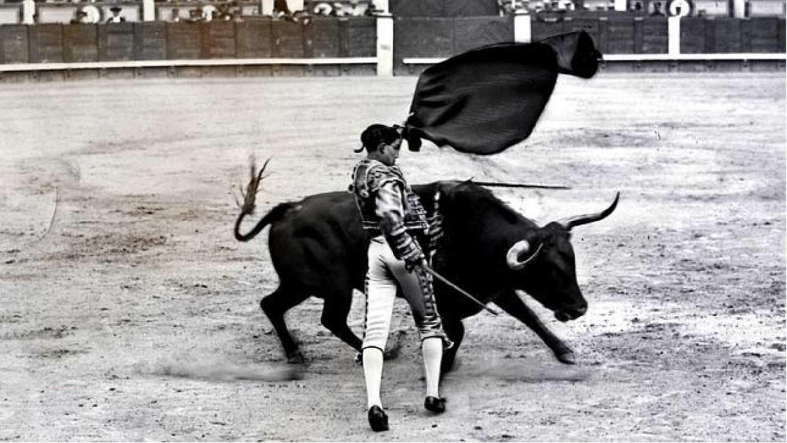 """Clarín - Homenaje - recuerdo a Joselito """"El Gallo"""" en Sevilla -  21/11/20 - Escuchar ahora"""