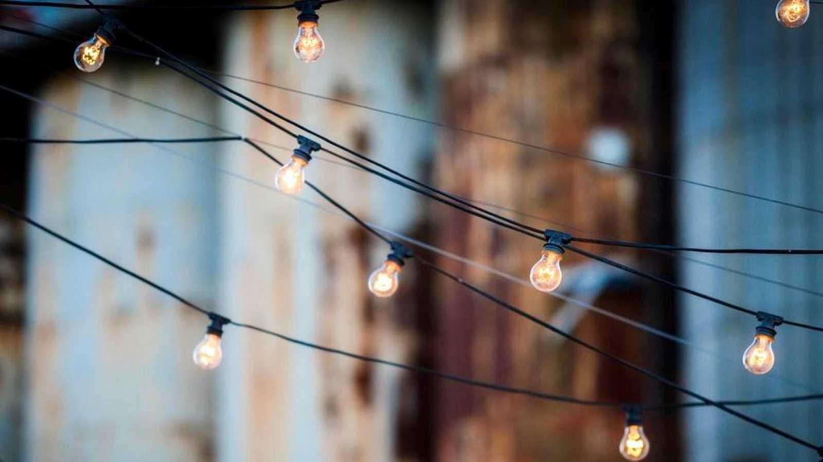 No es un día cualquiera - La luz y las emociones - David Zurdo - 'Regreso al presente' - 22/11/2020 - Escuchar ahora