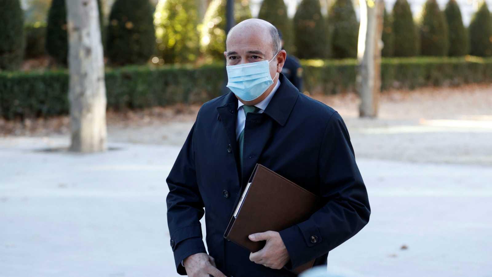 14 horas - Caso Kitchen: Pérez de los Cobos dice que no sabía que se usaban fondos reservados para espiar a Bárcenas - Escuchar ahora