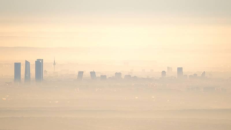 24 horas - La contaminación del aire europeo disminuye con la pandemia, sobre todo en Madrid y Barcelona - Escuchar ahora