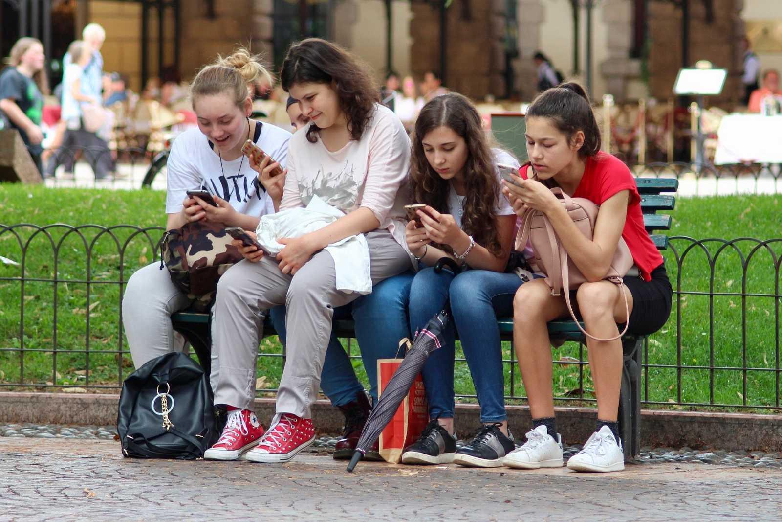L'Altra Ràdio - Els adolescents, mestres en l'ús d'Instagram