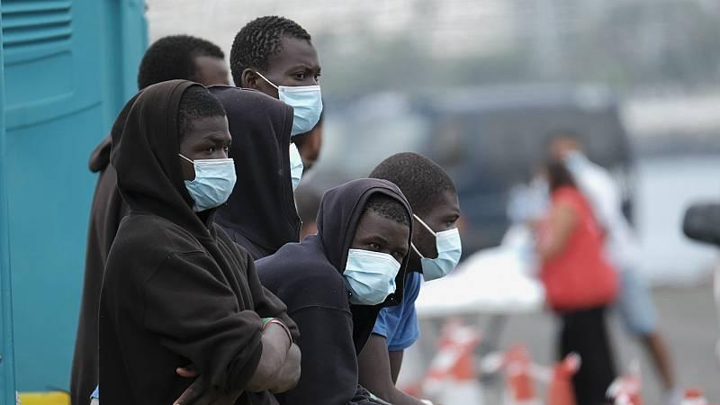 14 horas - Más de 2.000 menores migrantes esperan solos en Canarias - Escuchar ahora