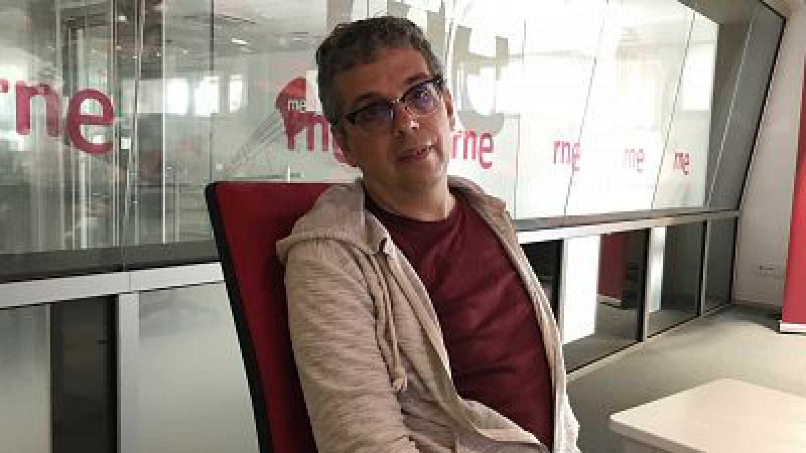 Hora América - Pedro Guerra presenta 'Ruego' y 'Alzhéimer', un adelanto de su próximo disco - 25/11/20 - escuchar ahora