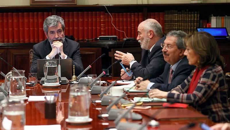 """Las mañanas de RNE con Íñigo Alfonso - Tres asociaciones de jueces entregan 20.000 firmas para despolitizar el CGPJ: """"Sin acabar con la politización, no acabaremos con el bloqueo"""" - Escuchar ahora"""