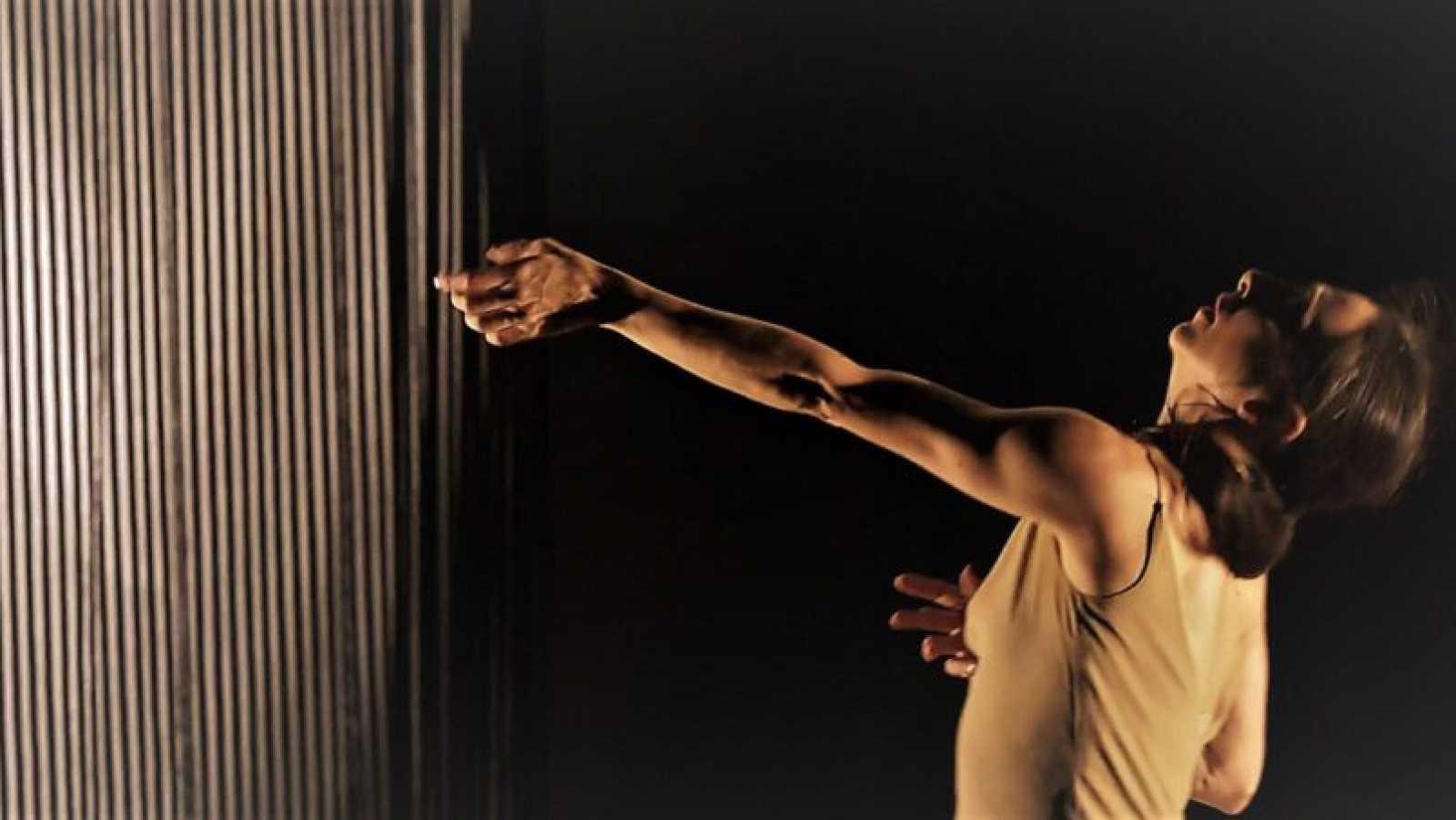 Artesfera - Pepa Sanz y José Merino resurgen renovados como Caminantes Danza - 26/11/20 - escuchar ahora