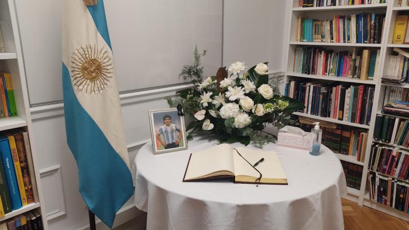 """14 horas - El embajador Ricardo Alfonsín: """"Sabíamos que Diego sería Gardel"""" - Escuchar ahora"""