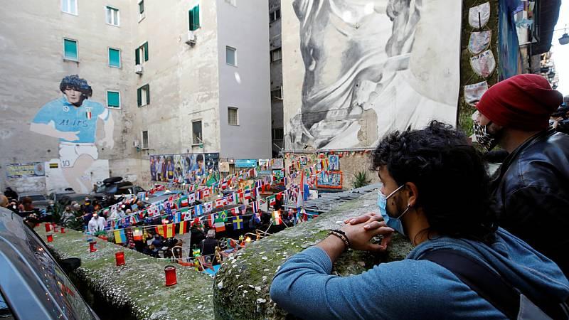 """14 horas - El Nápoles más humilde recuerda a Maradona: """"Nos dio el orgullo para ir por la calle con la cabeza alta"""" - Escuchar ahora"""