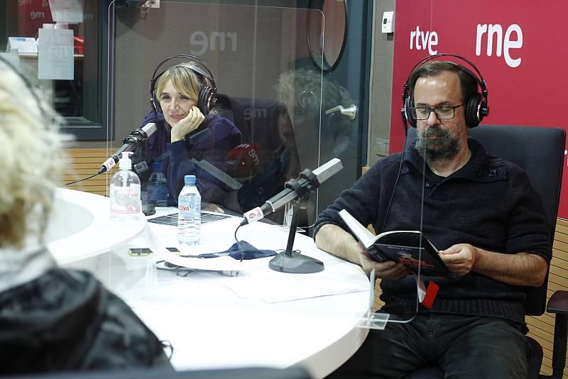 L'hora del te amb Desireé de Fez, Marc Ferrer i Dani de la Orde