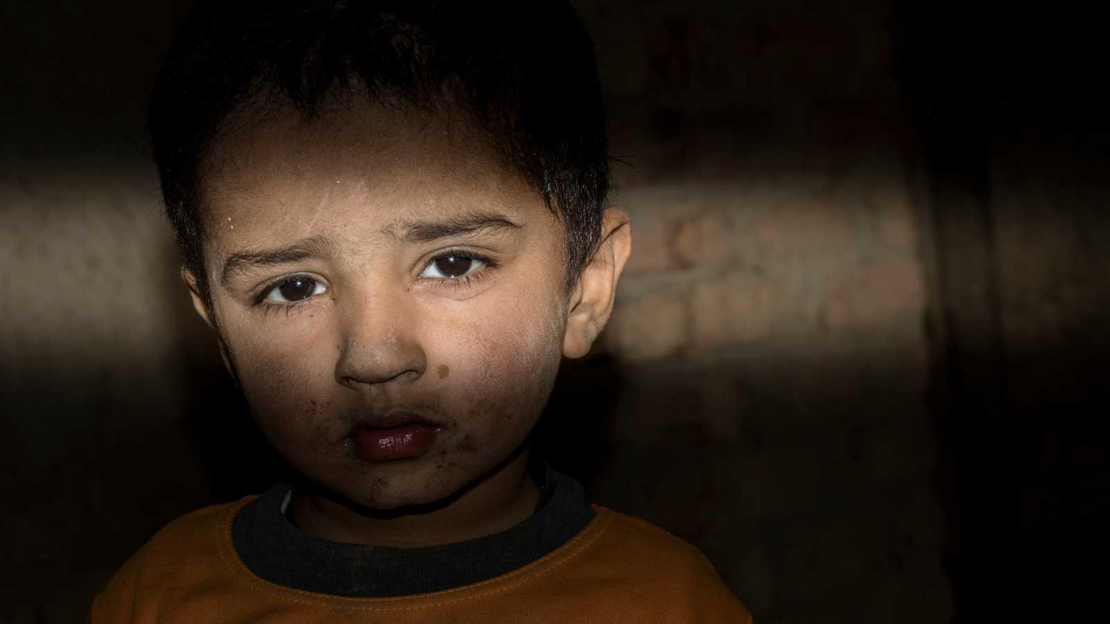 Cinco continentes - Infancia: objetivo bélico - Escuchar ahora