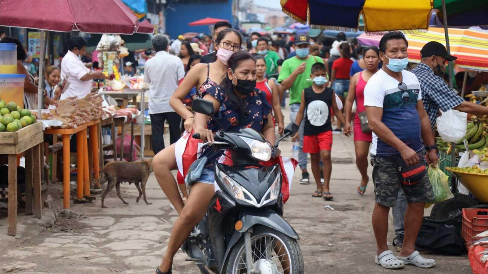 24 horas Fin de semana - El extraño caso de Iquitos en Perú que se declara exento de covid - Escuchar ahora