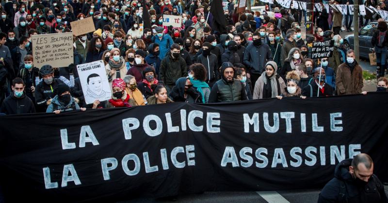 Boletines RNE - Francia da marcha atrás en la nueva ley de seguridad - Escuchar ahora