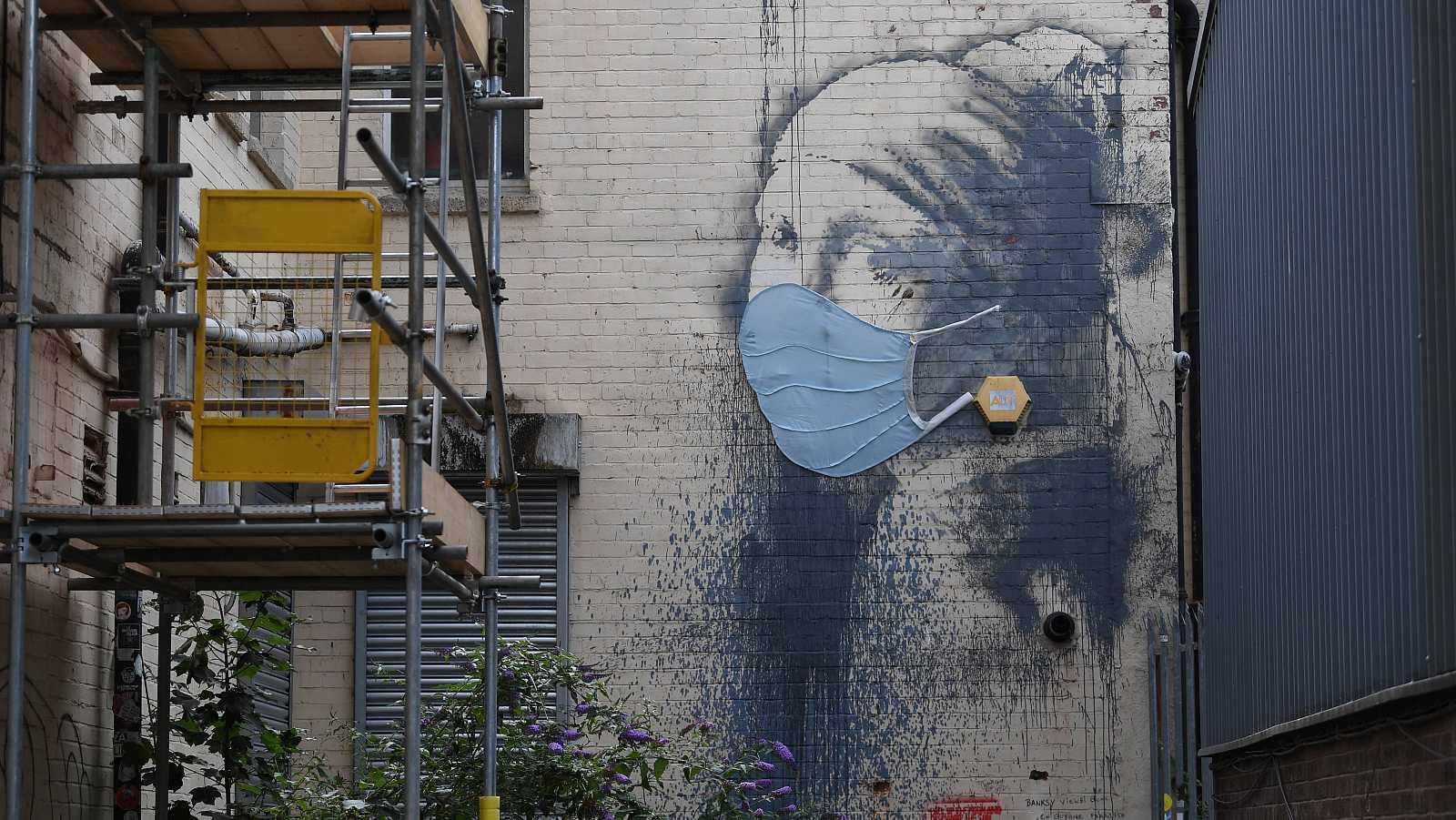 14 horas - 50 obras del artista británico Banksy llegan al Círculo de Bellas Artes de Madrid - Escuchar ahora