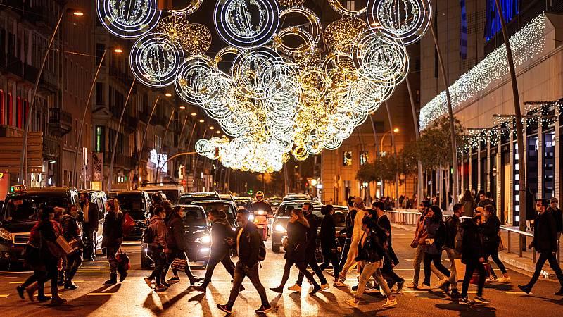 24 horas - Acuerdo para Navidad: reuniones de 10 personas de dos núcleos de convivencia, toque de queda en Nochebuena y Nochevieja hasta la 1.30