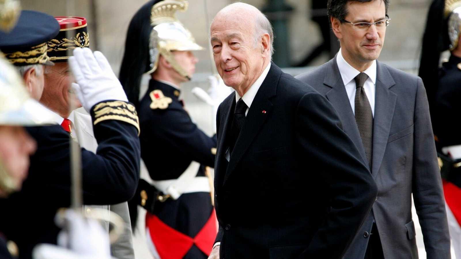 Las mañanas de RNE con Íñigo Alfonso - Francia despide al expresidente Valéry Giscard d'Estaing - Escuchar ahora