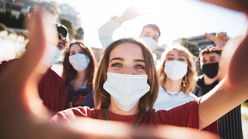 Más cerca - Jóvenes en pleno desarrollo y en plena pandemia - Escuchar ahora