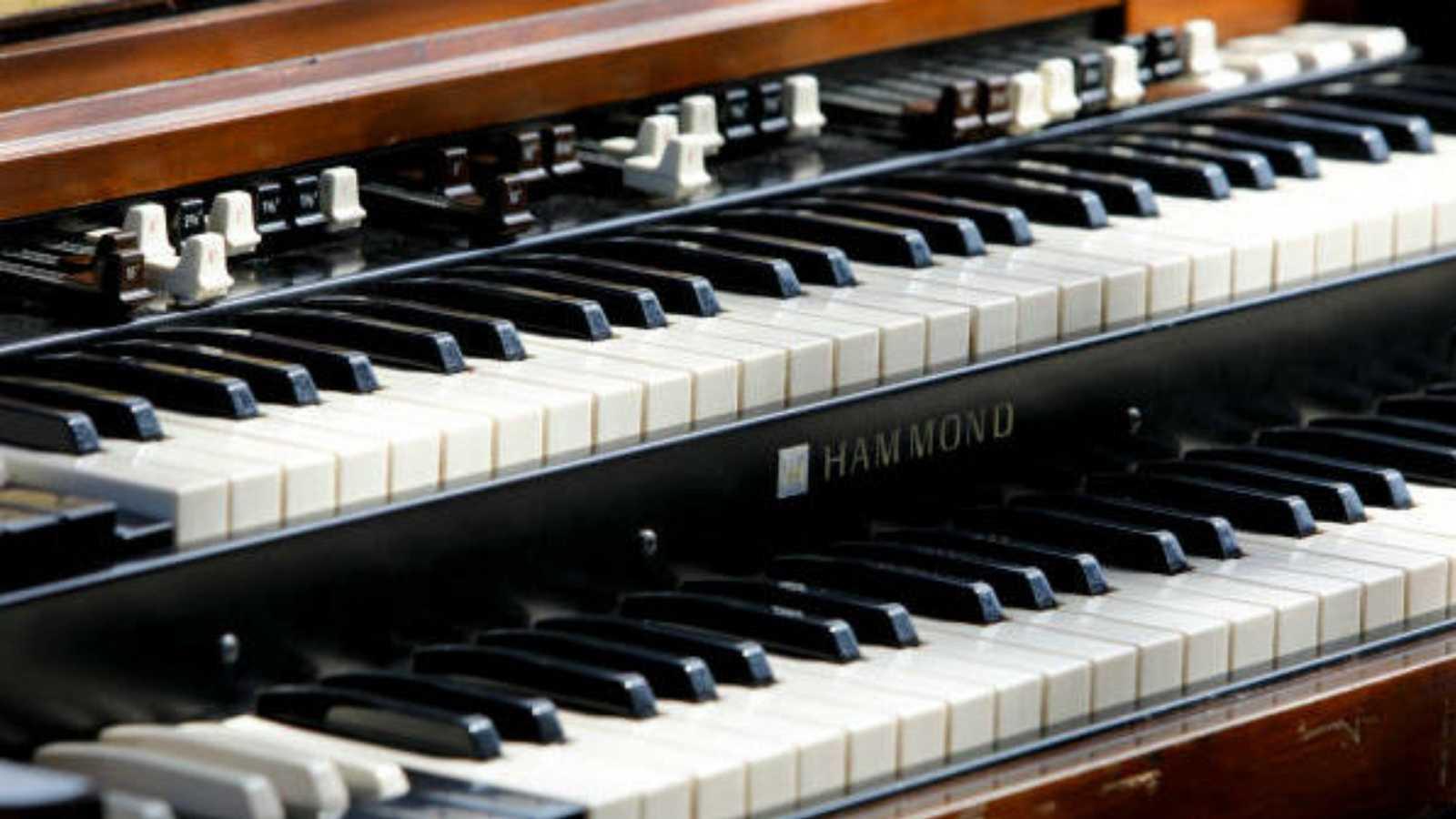 Saltamontes - HAMMOND: Charles Earland y  Br. Jack McDuff - 03/12/20 -  escuchar ahora
