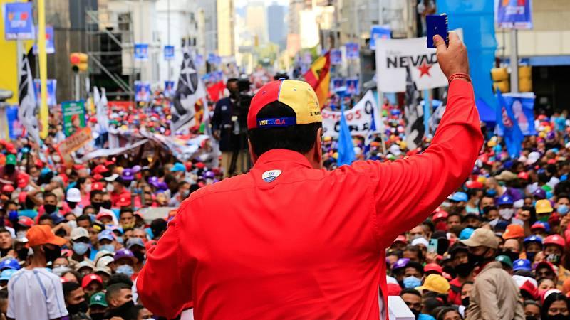 Las mañanas de RNE con Íñigo Alfonso - Maduro dice que se irá si pierde las elecciones del domingo en las que no participa gran parte de la oposición - Escuchar ahora