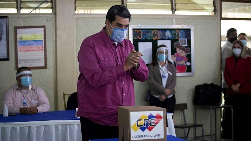 Las mañanas de RNE con Íñigo Alfonso - El chavismo retoma el control de la Asamblea Nacional en unas elecciones marcadas por la abstención y las denuncias de fraude de la oposición - Escuchar ahora