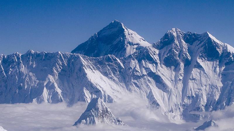 14 horas - Nepal y China acuerdan que el Everest mide 86 centímetros más: 8.848,86 metros - Escuchar ahora