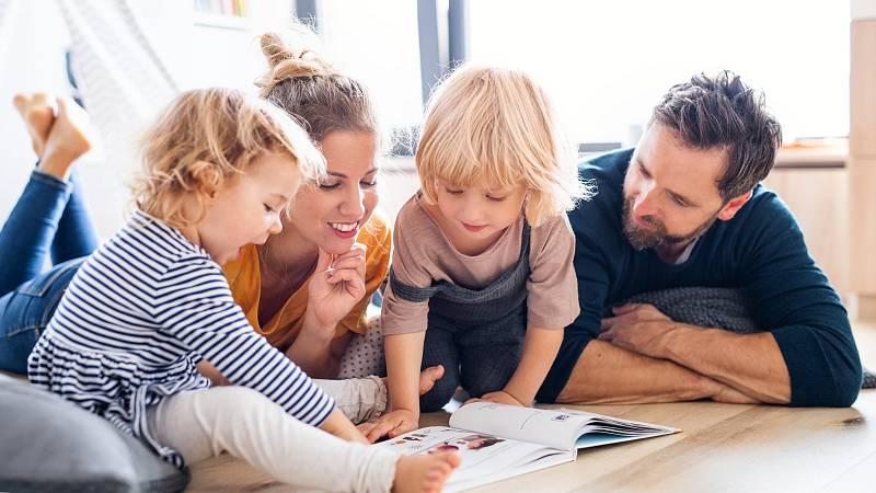 Mamás y papás - Un libro, el mejor regalo - 13/12/20 - Escuchar ahora