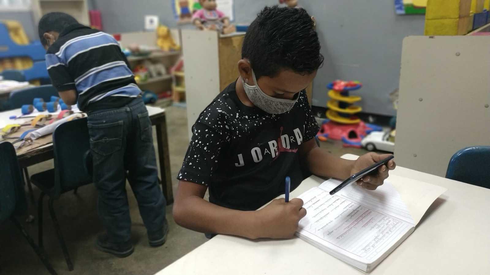 Reportajes 5 Continentes - Aprender en Venezuela en tiempos de pandemia - Escuchar ahora