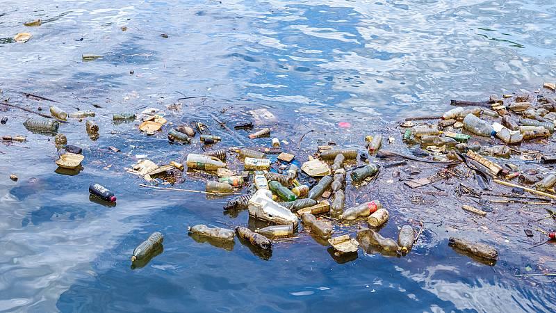 Españoles en la mar - Lobelia Earth: la lucha contra el plástico en el océano desde el espacio, usando satélites - escuchar ahora