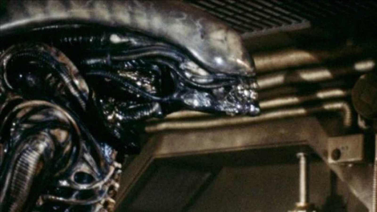Sangre sobre la tierra - Alien - Escuchar ahora