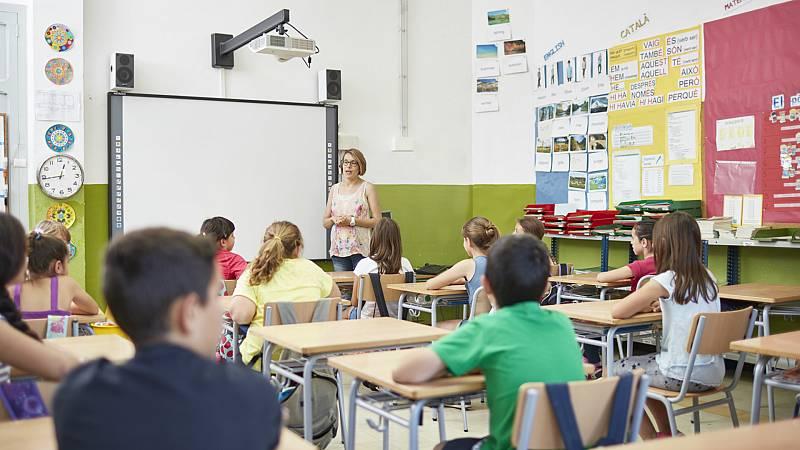 14 horas - El TSJC obliga a que, al menos, un 25% de las clases en Cataluña se den en castellano - Escuchar ahora