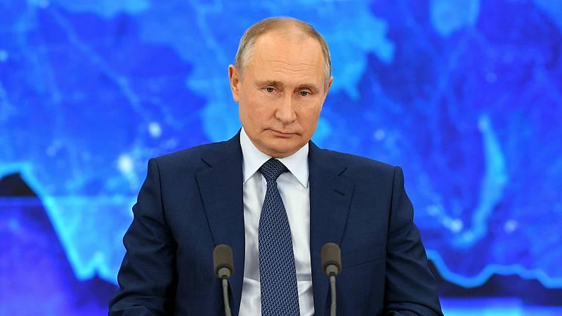 """14 horas - Putin admite que vigilaban a Navalny, pero niega haberlo envenenado: """"Si hubiéramos querido hacerlo, habríamos terminado el trabajo"""" - Escuchar ahora"""