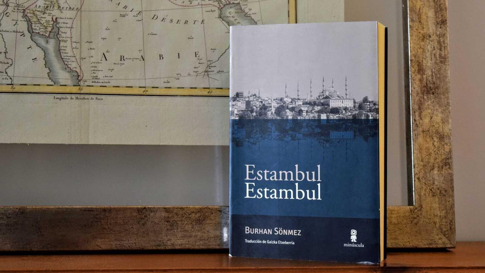 Oxiana - Burhan Sönmez | Estambul Estambul - Escuchar ahora