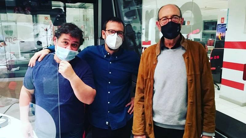 La sala - 'Los asquerosos', improvisaciones en una librería y 'Cuento de Navidad', versión de Jose Padilla - 20/12/20 - escuchar ahora
