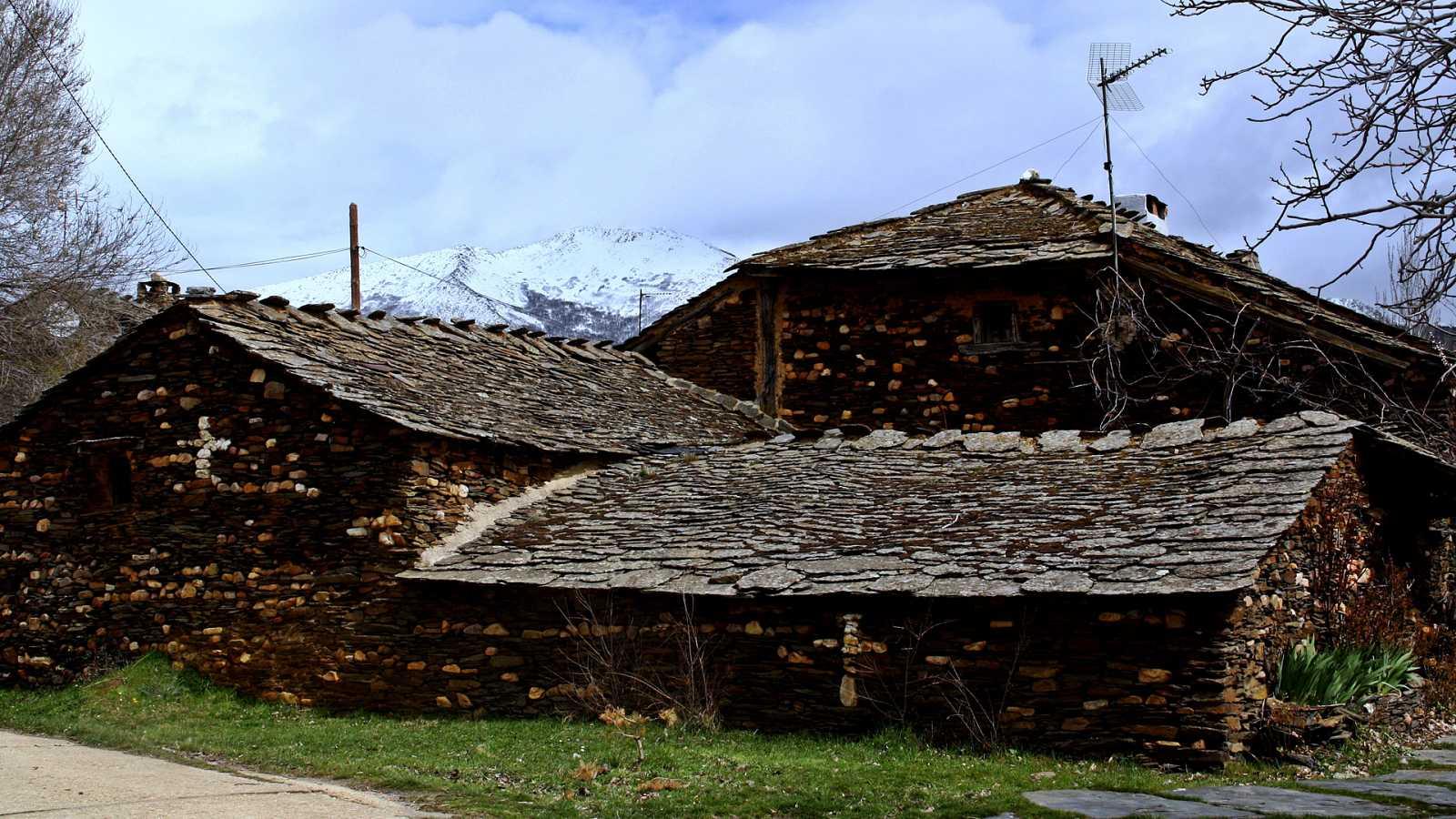 En clave turismo - Arquitectura Negra: pueblos de Guadalajara - 21/12/20 - Escuchar ahora