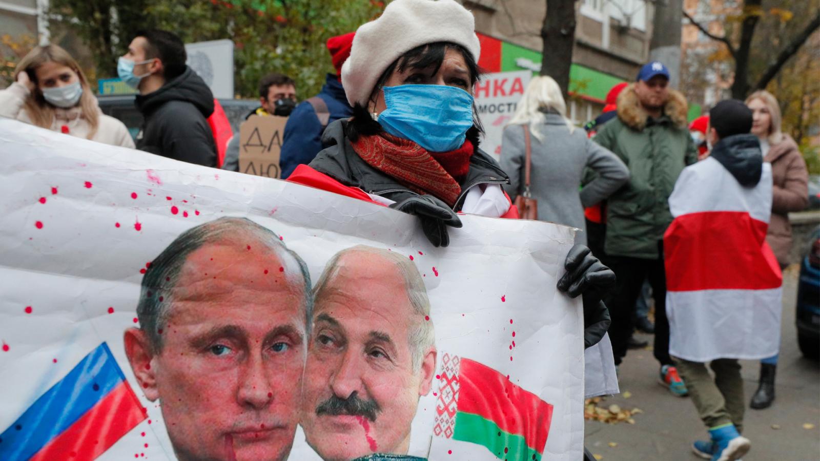 Reportajes 5 Continentes - 2020: El año que puso en jaque a Lukashenko - Escuchar ahora