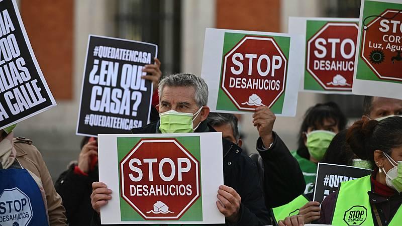 14 horas - El Gobierno suspende los desahucios por impago de alquiler y el corte de suministros básicos hasta el 9 de mayo - Escuchar ahora