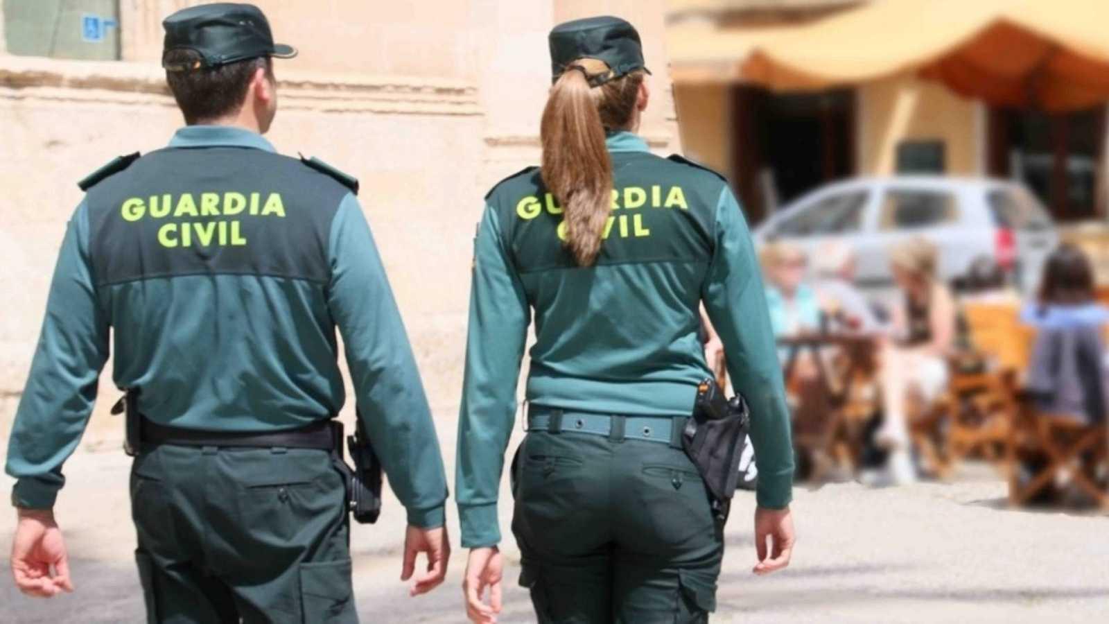 20 horas informativos fin de semana - La guardia civil detecta un intento de timo con la vacunación de los mayores - Escuchar ahora