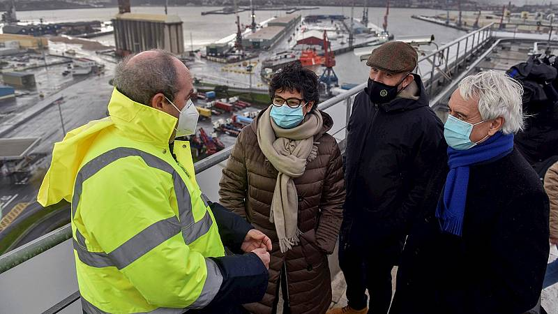 Boletines RNE - Laya espera mantener buenas relaciones comerciales con Reino Unido tras su salida de la UE - Escuchar ahora