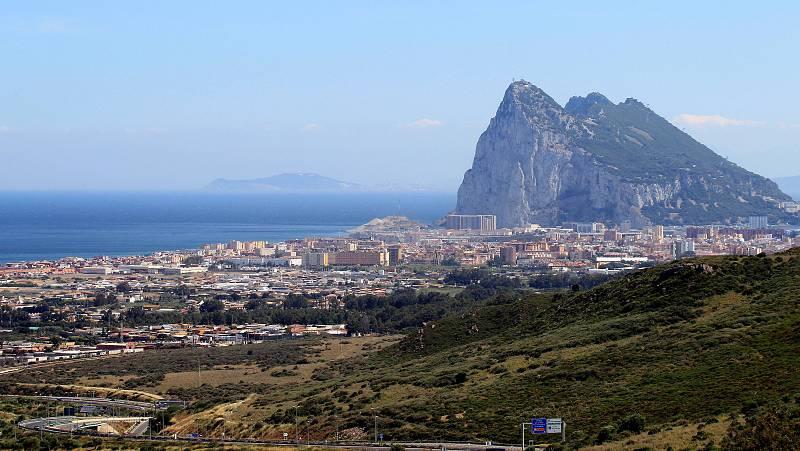 """Las mañanas de RNE con Íñigo Alfonso - Carlos Fenoy sobre el preacuerdo de Gibraltar: """"No sabemos prácticamente nada"""" - Escuchar ahora"""
