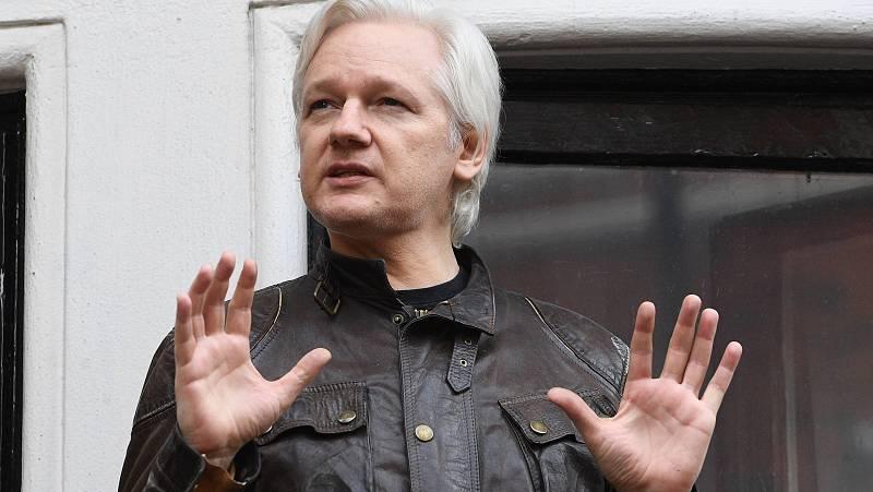 24 horas - La justicia británica deniega la extradición de Julian Assange a EE.UU. - Escuchar ahora