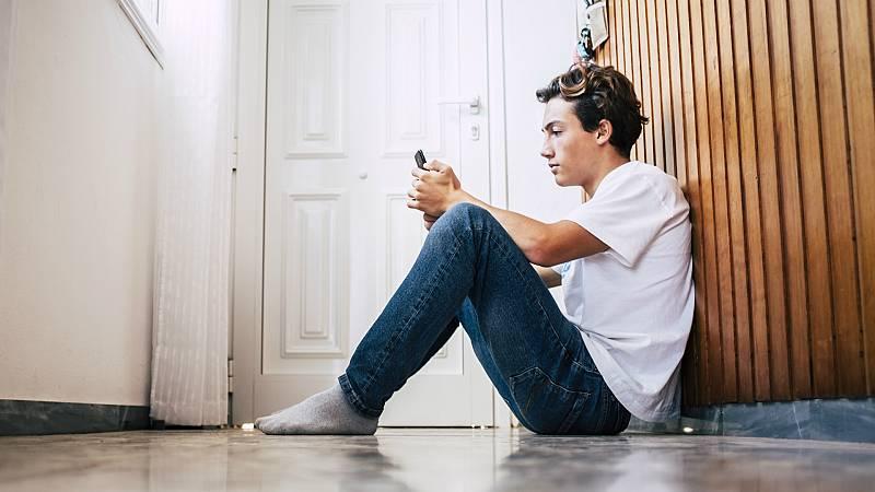 14 horas - El impacto psicológico de la pandemia en los adolescentes - Escuchar ahora