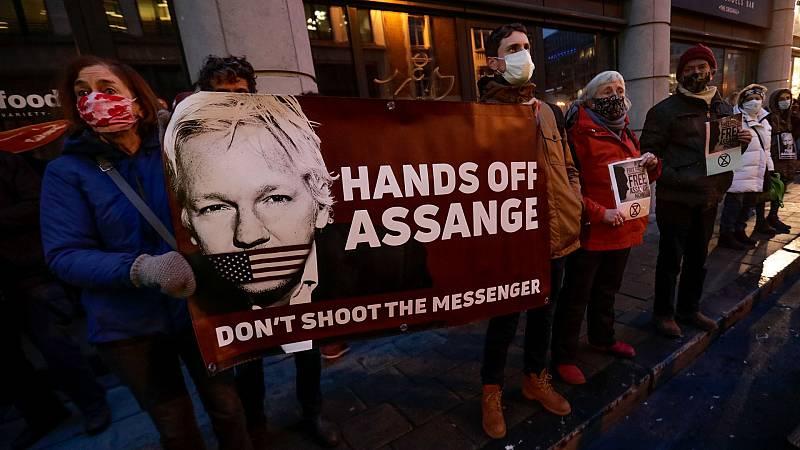 Cinco Continentes - Rechazada la extradición de Assange a EE.UU. - Escuchar