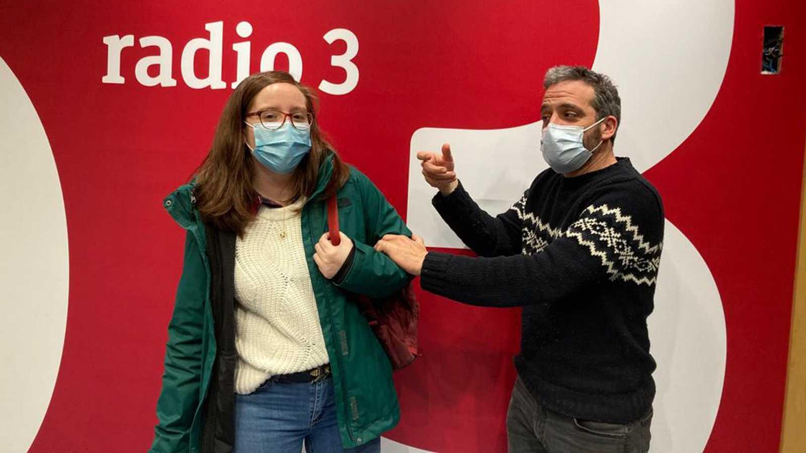 Hoy empieza todo con Ángel Carmona - Pero, ¿me vacuno o no? MALDITA CIENCIA - 05/01/21 - escuchar ahora
