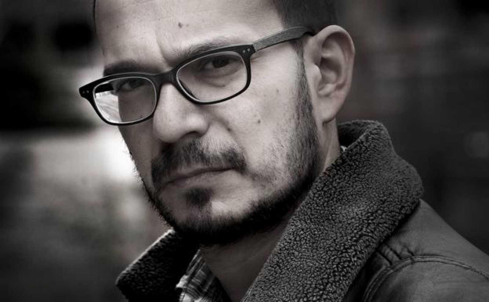 Libros de arena en Radio 5  - Luca D'Andrea y 'La muerte de Erika Knapp' - 06/01/21 - Escuchar ahora