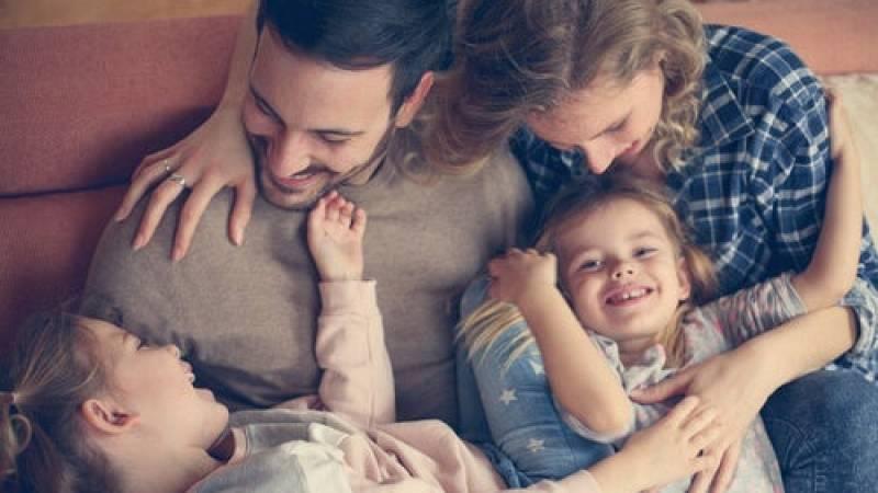 Mamás y papás - ¡Cuánto nos quieren nuestros hijos! - 10/01/21 - Escuchar ahora
